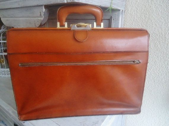 1c7b2806a8 Grand cartable vintage tout cuir Grande par FrenchTouchSoChic | sacs ...
