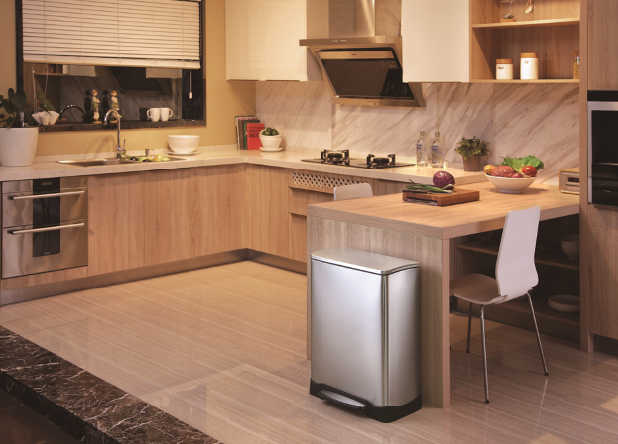 5 high tech kitchen appliances for modern kitchens including a smart bin kitchen tech on kitchen appliances id=55514
