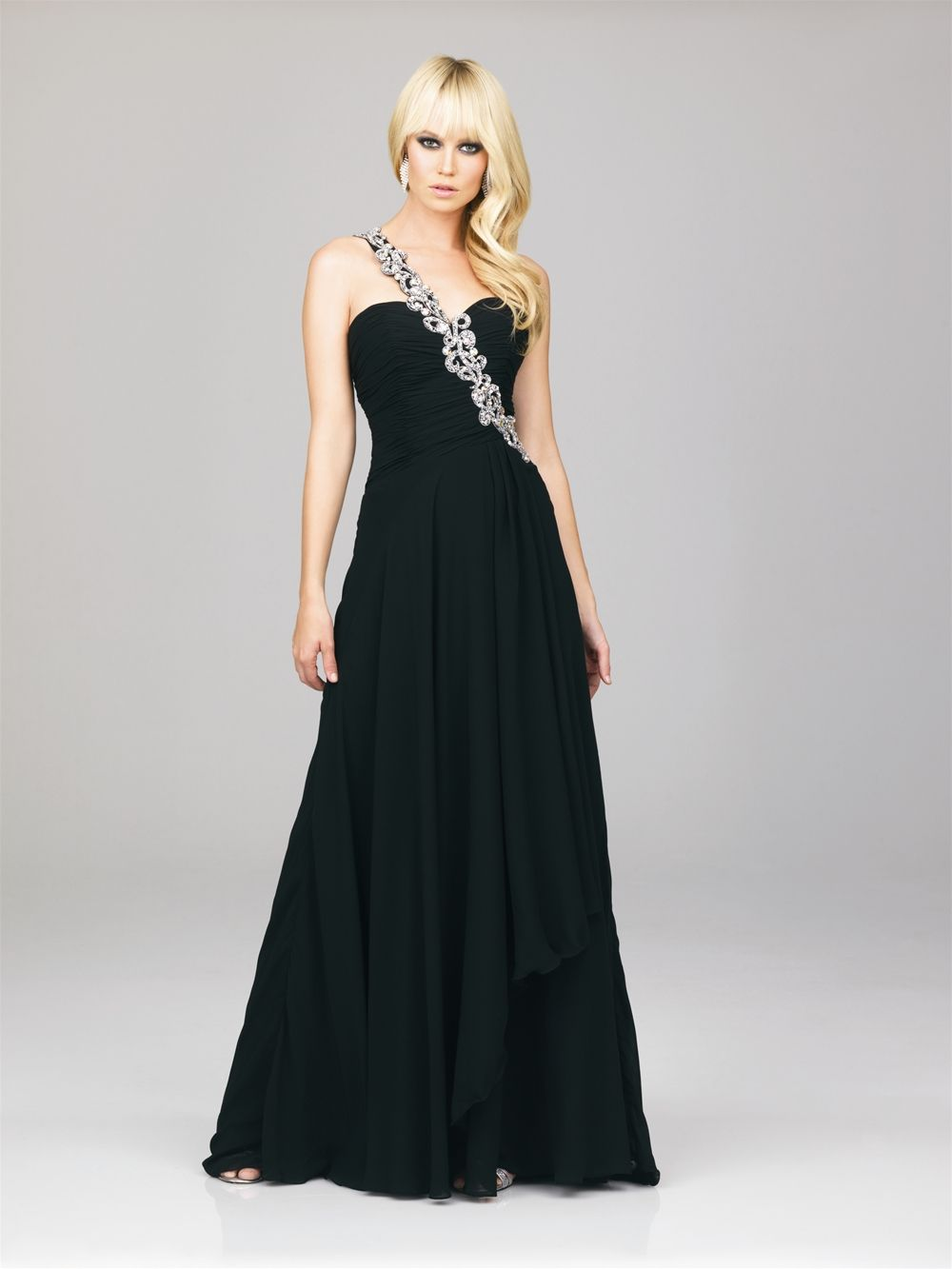 I have no idea why i am drawn to black gowns pinterest dream