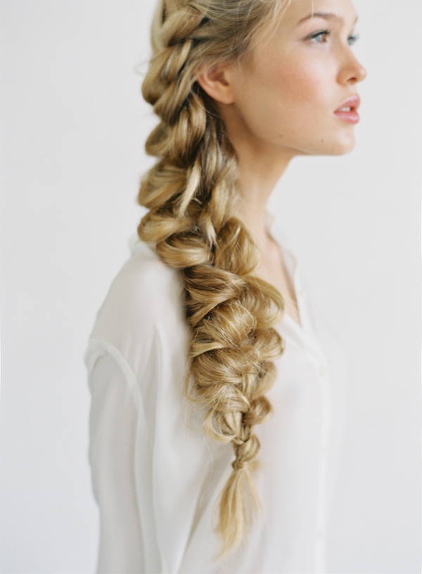 8 Graduation Hairstyles That Will Look Amazing Under Your Cap Hair Styles Side Braid Hairstyles Braided Hairstyles