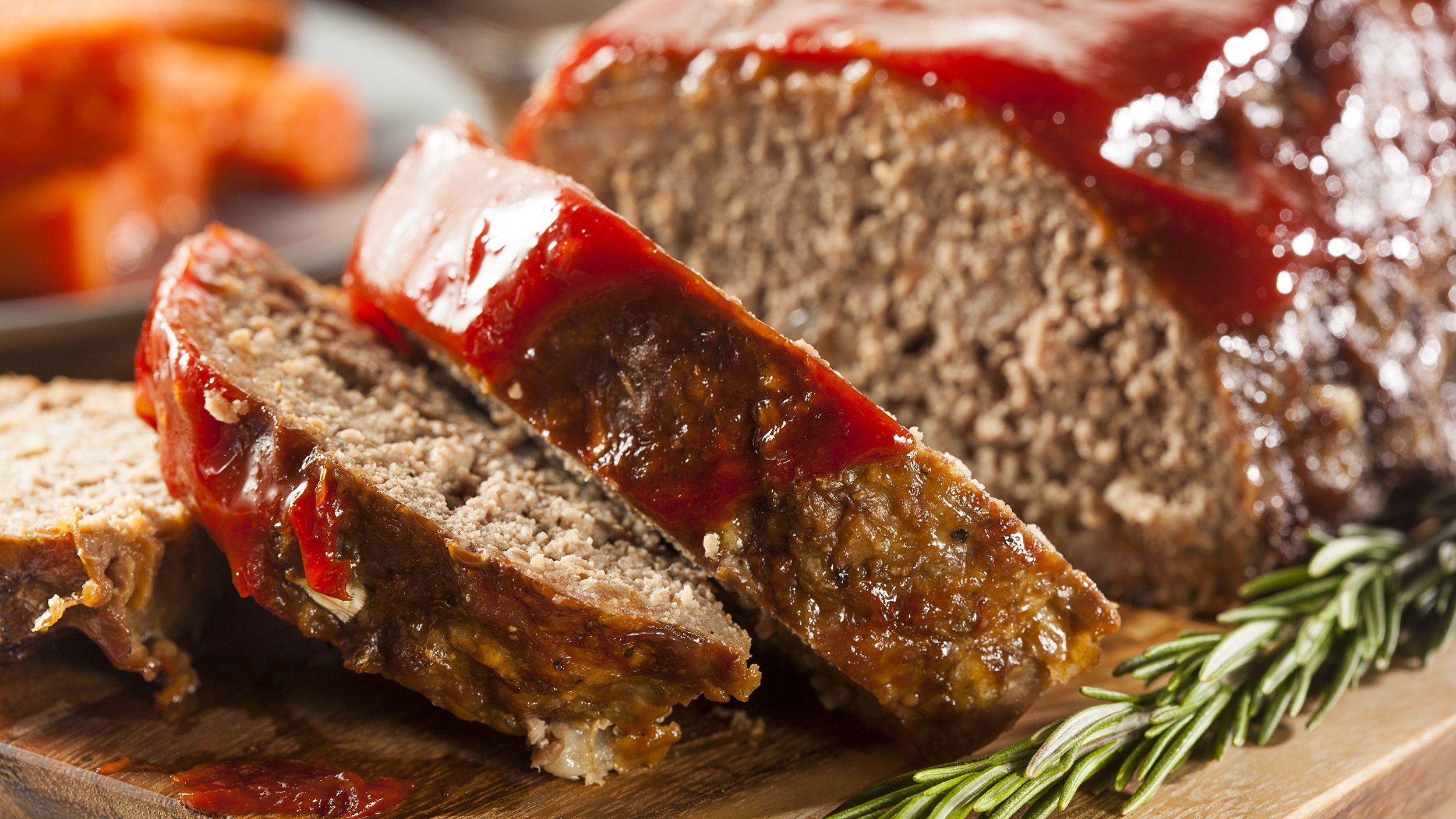 Dr Oz S Meatier Meatloaf Uses A Secret Healthy Ingredient For Moisture Recipe Homemade Meatloaf Good Meatloaf Recipe Recipes