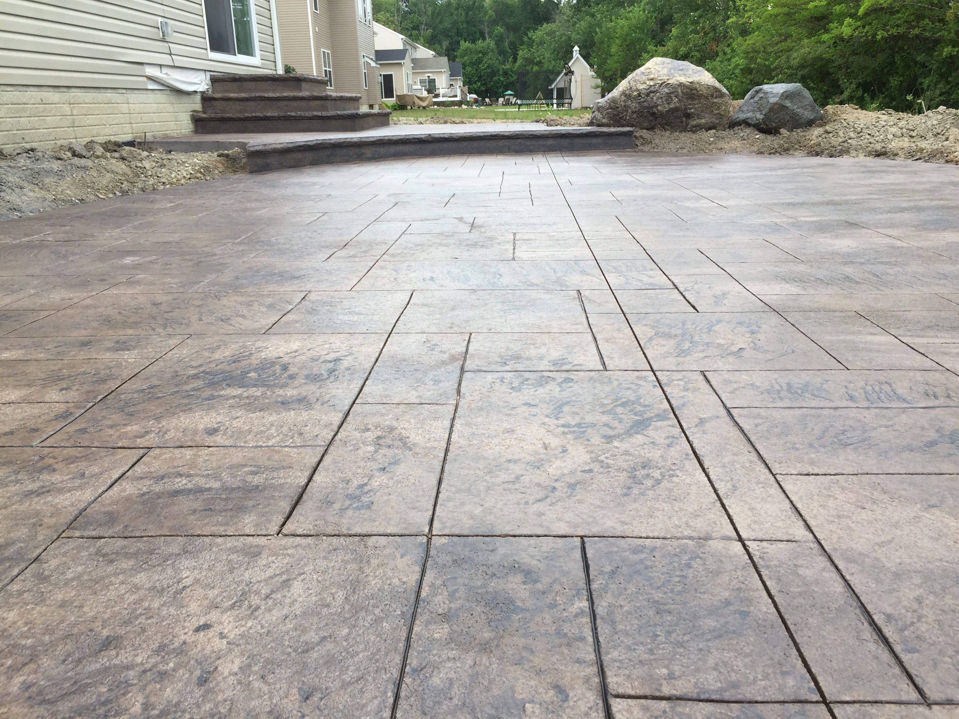 Stamped Concrete Patio Ashlar Pattern Integral Color Earthen Dark Charcoal Release Stamped Concrete Patio Concrete Patio Patio
