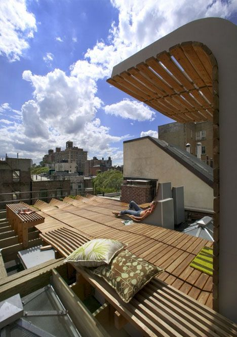 Roll Up Rooftop Daring Rounded Wood Deck Design In Nyc Designs Ideas On Do Apartment Garden Roof Garden Wood Deck Designs