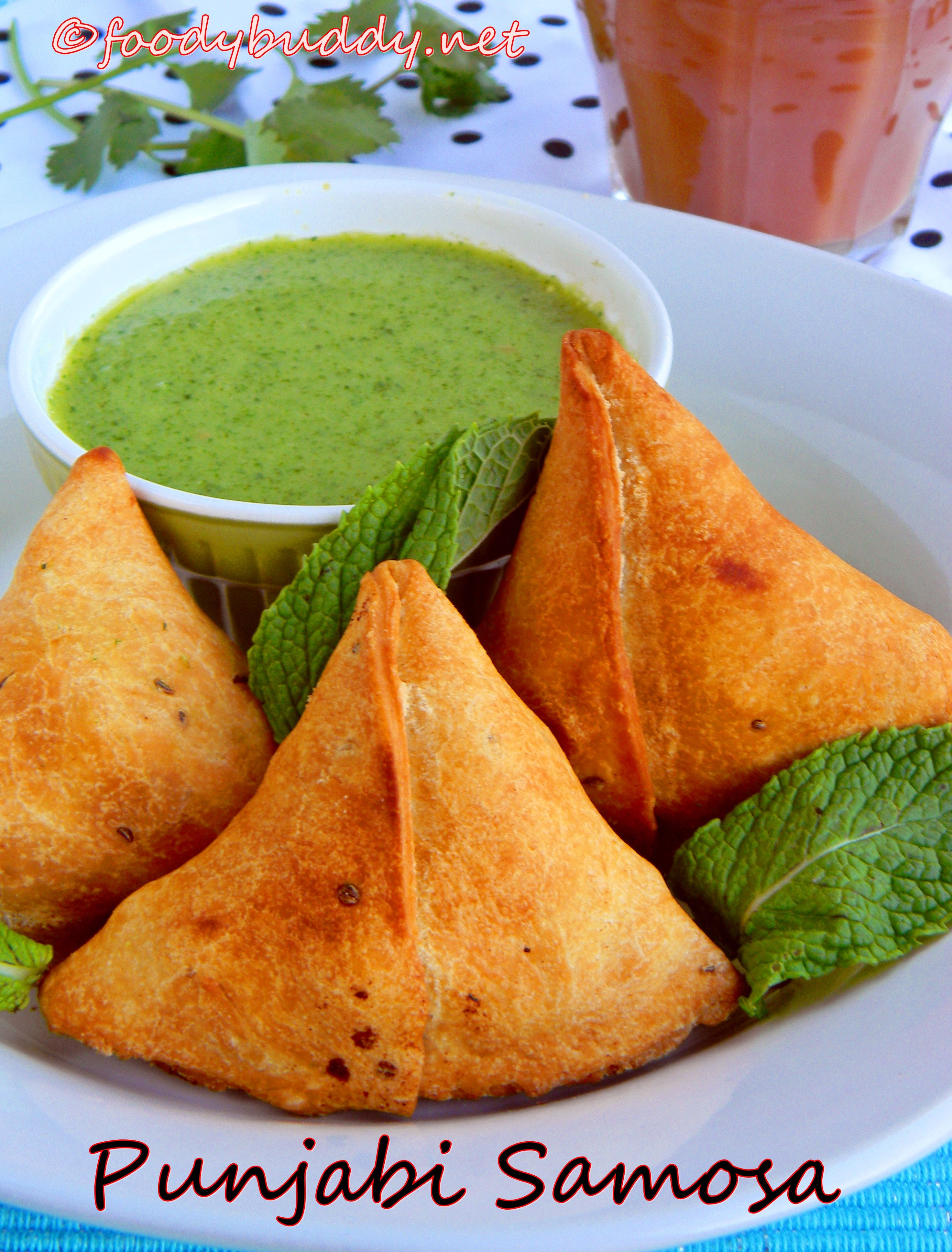 Samosa with potatoes and peas an indian pastry excellent samosa with potatoes and peas an indian pastry excellent appetizers goes well with forumfinder Image collections