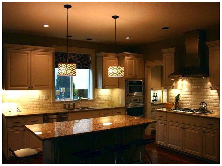 L illuminazione della cucina moderna e di design foto