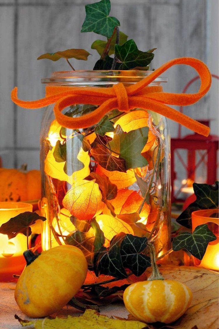 herbstdeko im glas mit lichterkette lampionblume efeu selber machen herbstdeko pinterest. Black Bedroom Furniture Sets. Home Design Ideas