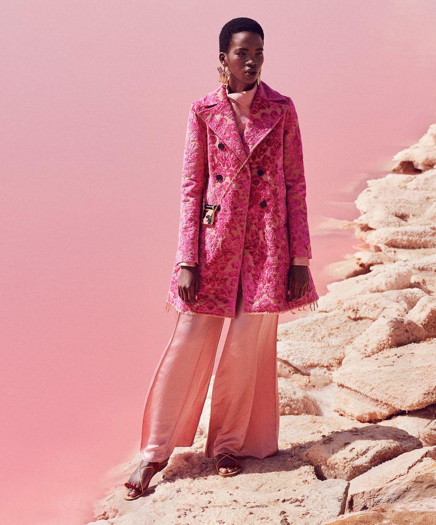 harpers-bazaar-december-2016-aamito-lagum-by-daniel-riera-8 #valentino #pinkaholic Pink trend. Pink, spring summer 2017. Rosa, primavera verano 2017. #tendencias2017 #primaveraverano2017 #rosa #loveratory