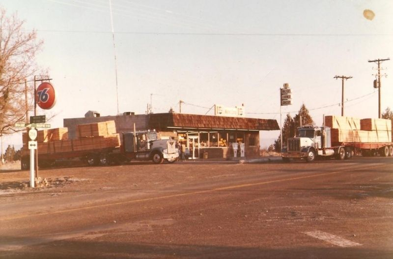 Photo Set Vintage Truck Stops Vintage Truck Vintage Trucks