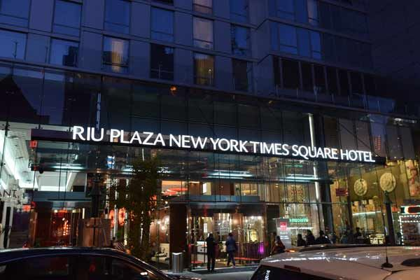 Hotel Riu Plaza New York Times Square Review Hotel Riu New York Hotels Times Square Hotels