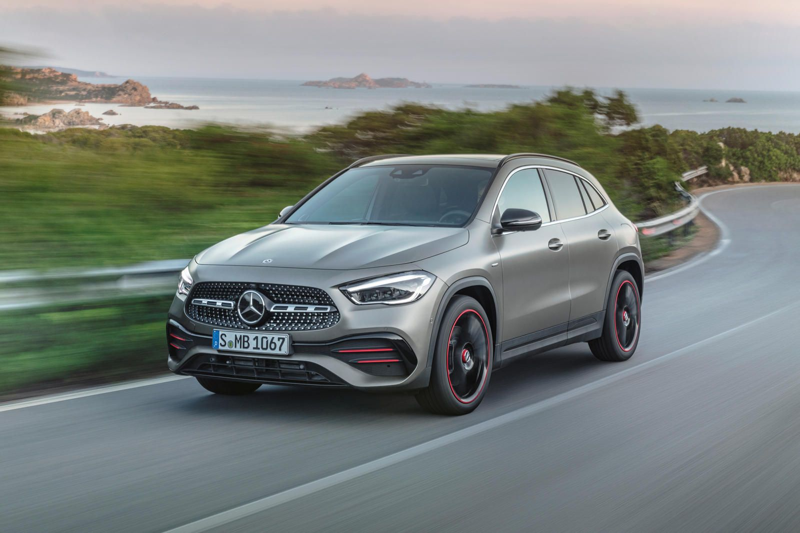 2021 Mercedes Benz Gla First Look Review Defying Expectations