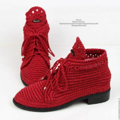 Купить или заказать Льняные ботиночки вязаные красные в ...