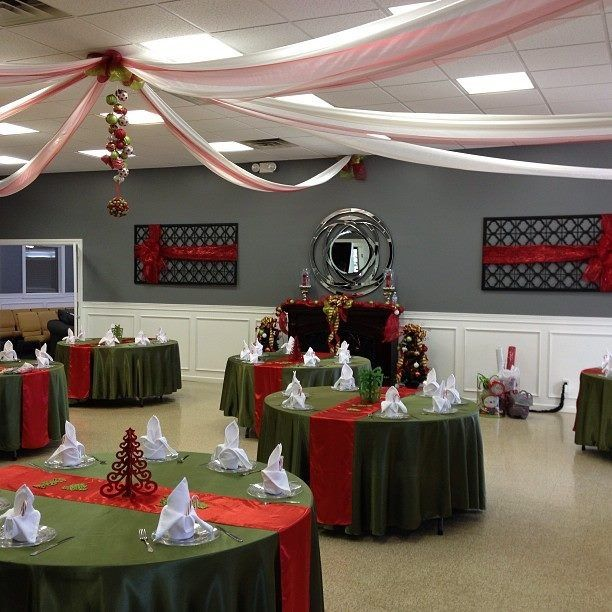Christmas Church Banquet Decorating