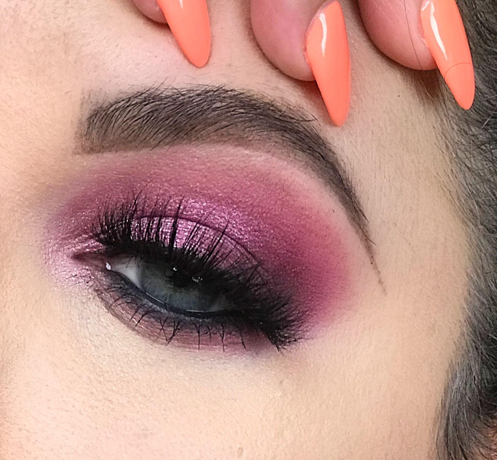 Violet Voss Flamingo Natural eye makeup, Eye makeup, Makeup