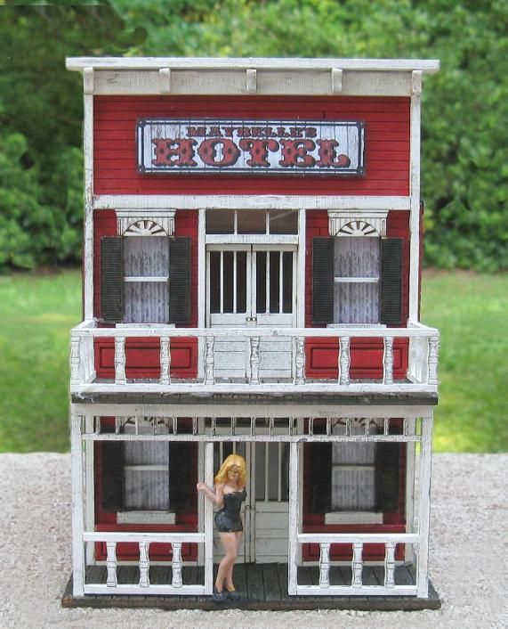 Model Train Building Maybelle S Hotel 1 48 O Scale Model Trains Model Railroad Train Images