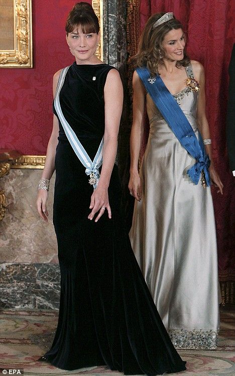 The Day Carla Met Her Match Mrs Sarkozy Is Upstaged By Spain S Real Princess In Glamour Showdown Glamour Royal Dresses Fashion