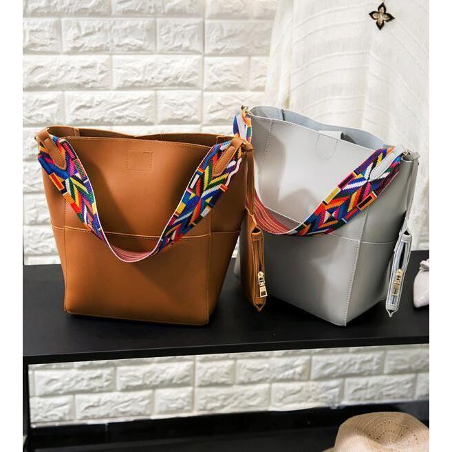 2c6f2aa746bf Boxy Purse with Change Purse  beauty  springtime  handbag  bagaddict  purse   accessory  purselover  purses  fashionlovers  ilovespring  macksie   handbags ...
