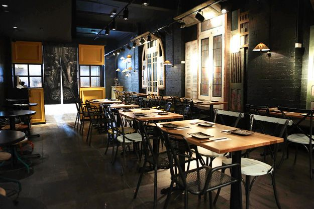 District motmenu vietnamese restaurant design t