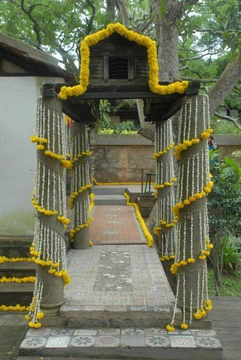 Home pillar decor also keeping it simple in yellow and silver we love that the venue rh pinterest