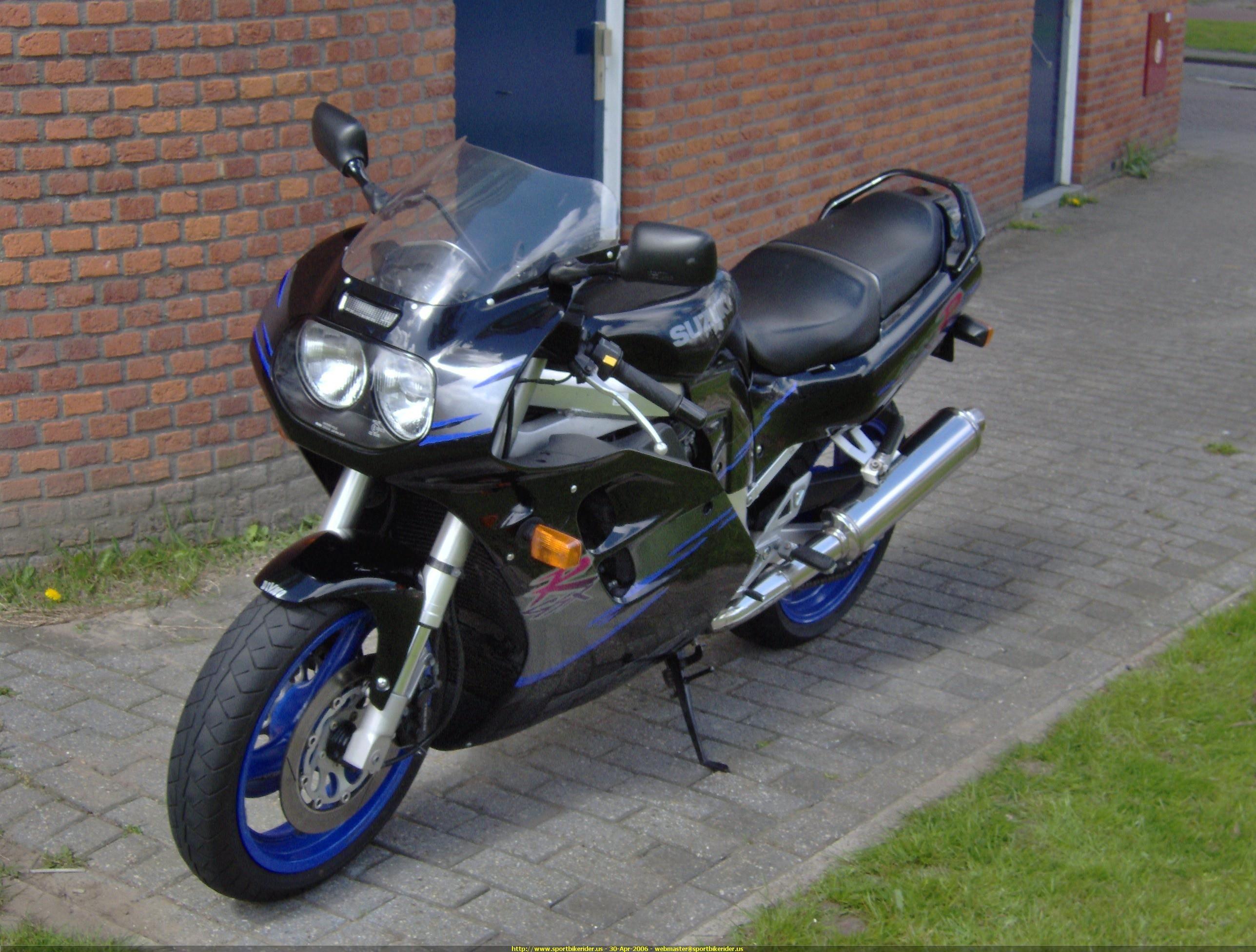 Picture Of A 2005 Ducati 999 Sportbike Id 108972 Sport Bikes Suzuki Gsxr Suzuki Motor