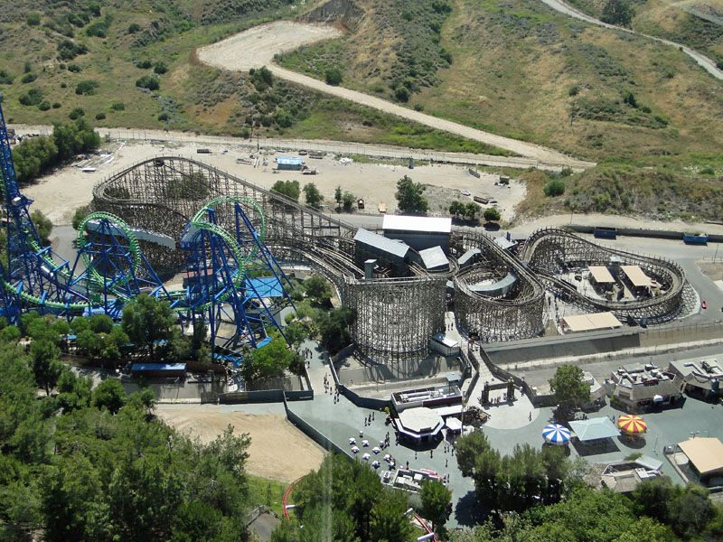 Terminator Salvation The Ride Name Changed To Apocalypse The Ride In 2011 At Six Flags Magic Mountain In Valencia Californ Roller Coaster Riding Valencia