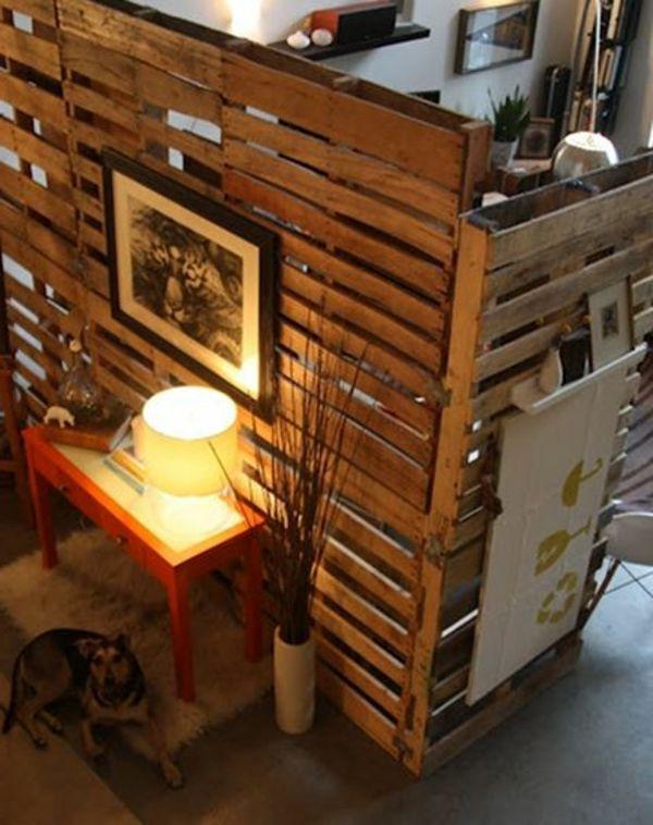 Les cloisons en bois attribuent une beauté accueillante de vos ...