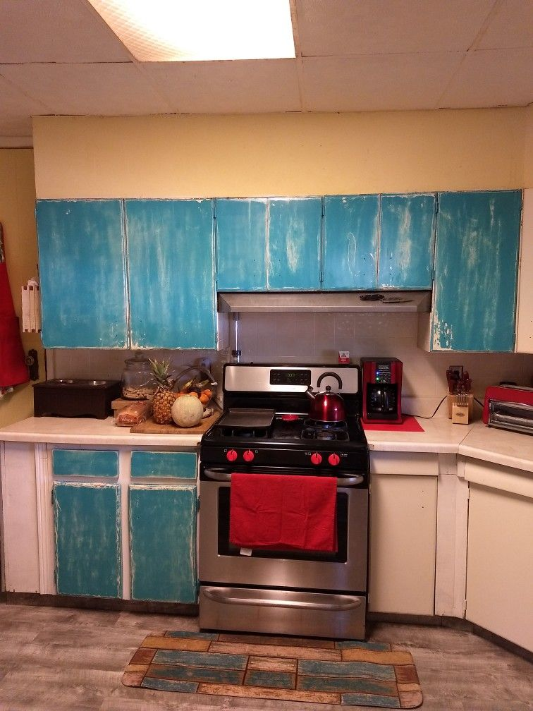Turquoise distressed kitchen cabinets 💖 (With images ...