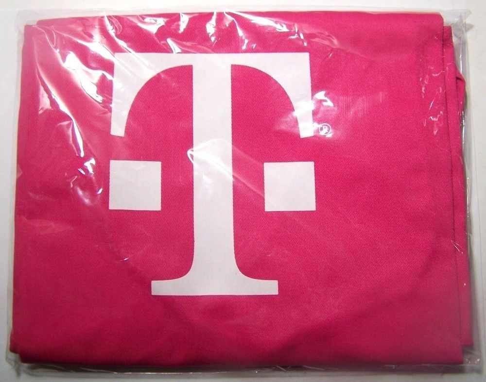 T-Mobile Tuesday Pink Slow Cooker Sunday Apron Brand New