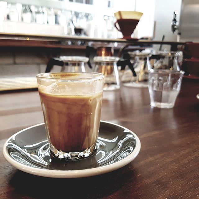 manufact, 마뉴팍ㅌ🌿 생각보다 조그만 곳,  그리고 플랫화이트 #연남동#매뉴팩트커피#manufactcoffee