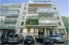 Lisboa, Rua Coronel Bento Roma, à Avenida de Roma. Apartamento com 80 m2 em bom estado. Vendido Março de 2015 por 135 mil euros. Vendido por Diogo Neto.