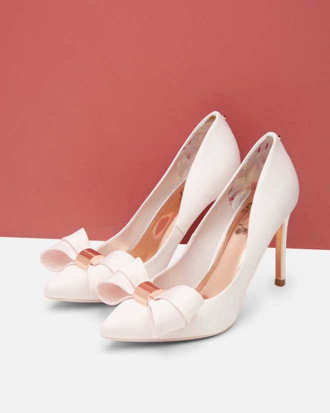e864c35a6f8f6 Statement bow court shoes - Light Pink