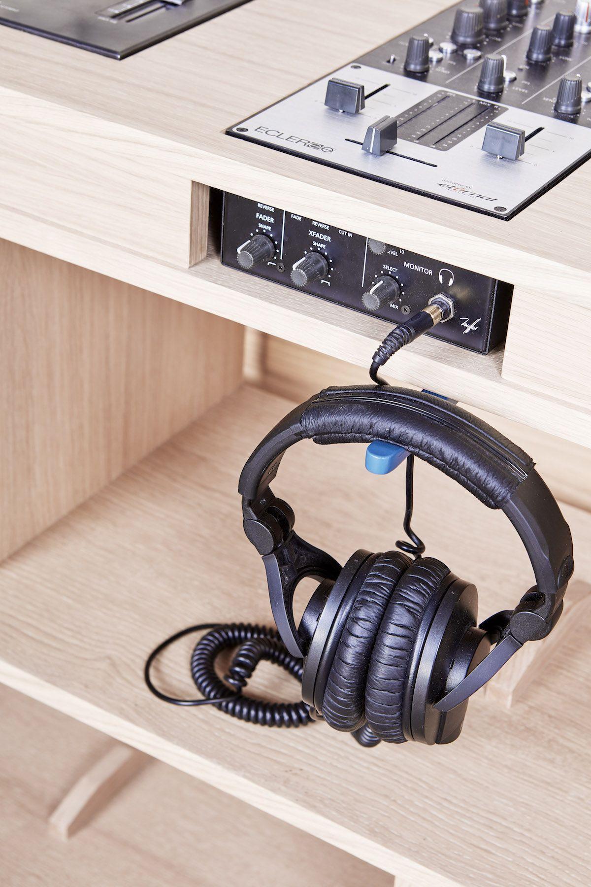 En bois massif et personnalisable bois son le bijou d - Meuble de studio d enregistrement ...
