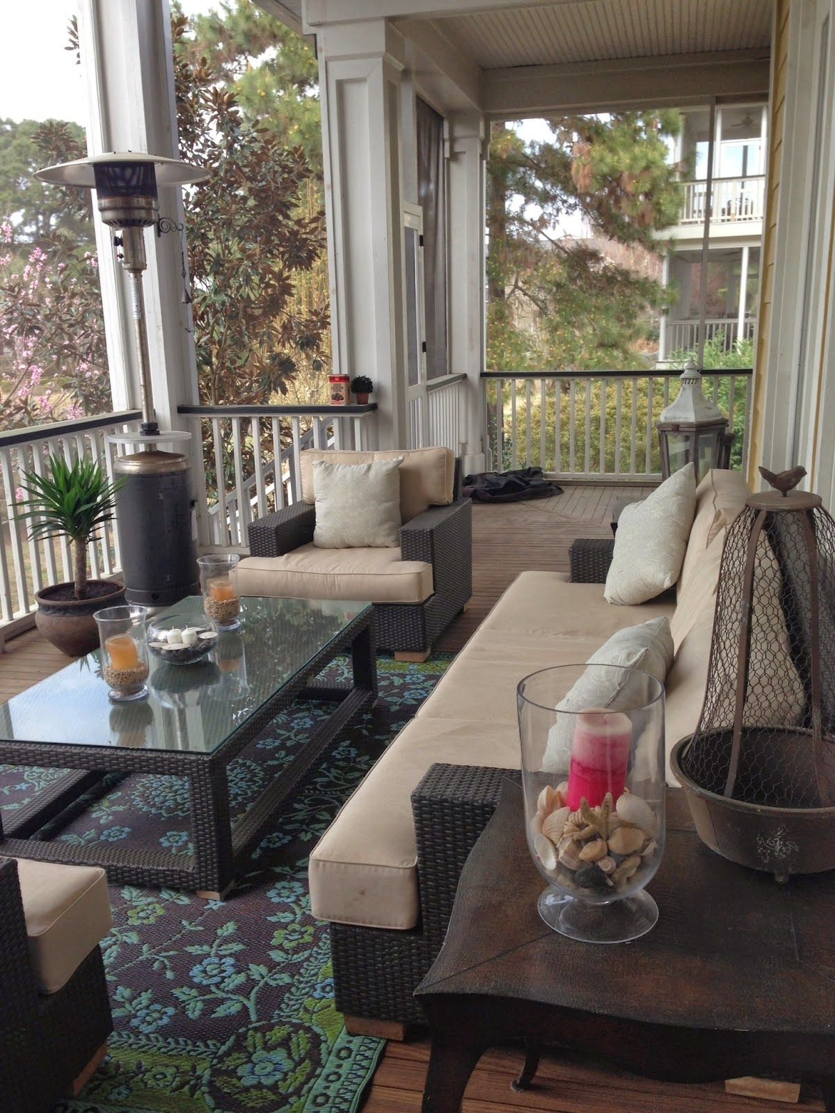 love this porch ... love the carpet .... Pulling It All Together - Locksley Lane