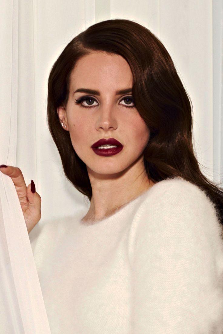 Lana Del Rey Dark Lipstick Makeup Look Lana Del Rey Hair Portrait Photography Women Beauty