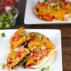 These cute little Mexican Pizzas {a la Taco Bell} are tasty, quick, and easy to make. Muy, muy, bien! #foodgawker