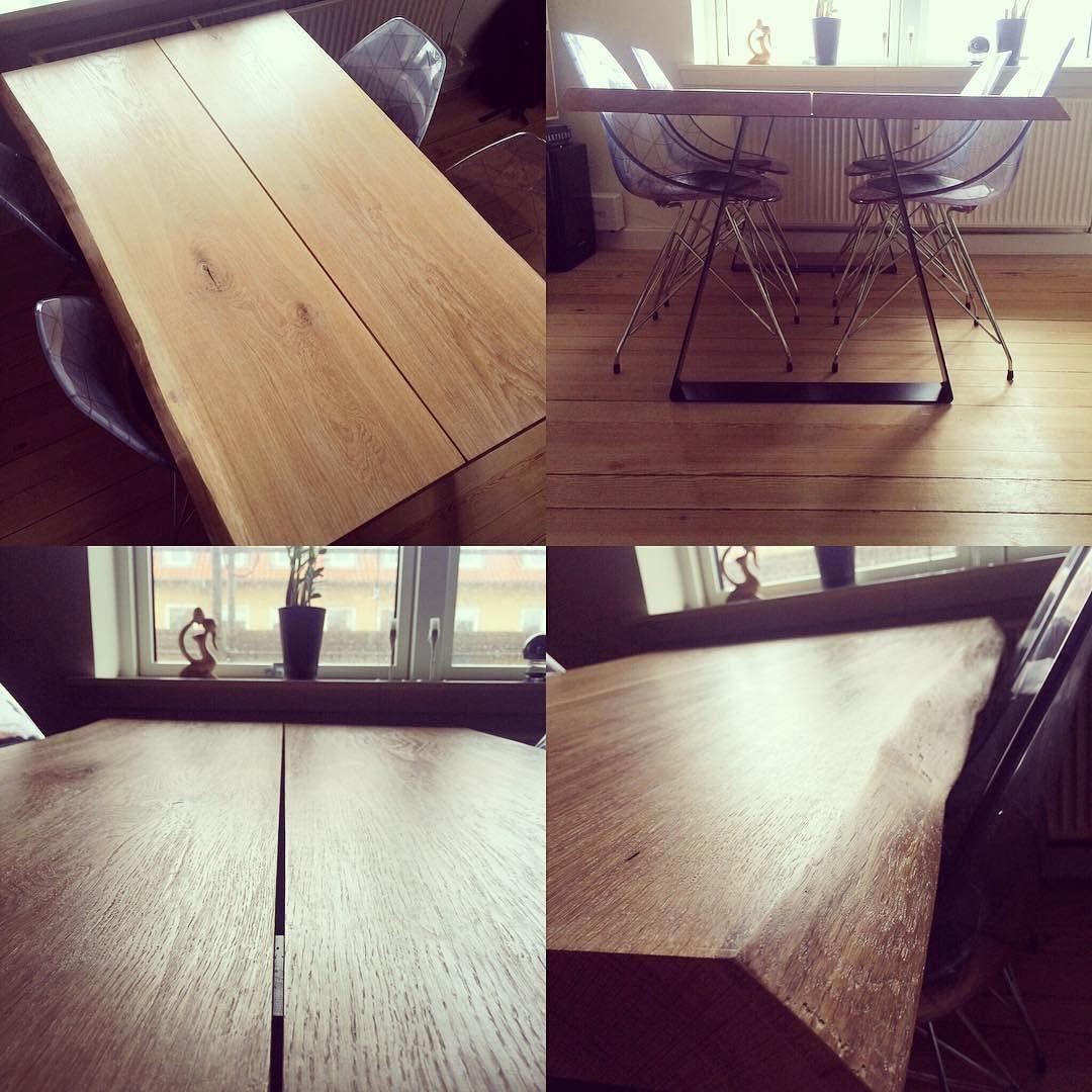 Færdigt plankebord Træ er altså bare lækkert! #plankebord #egetræ #diy #wood #dinnertable by thomas_rosendahl
