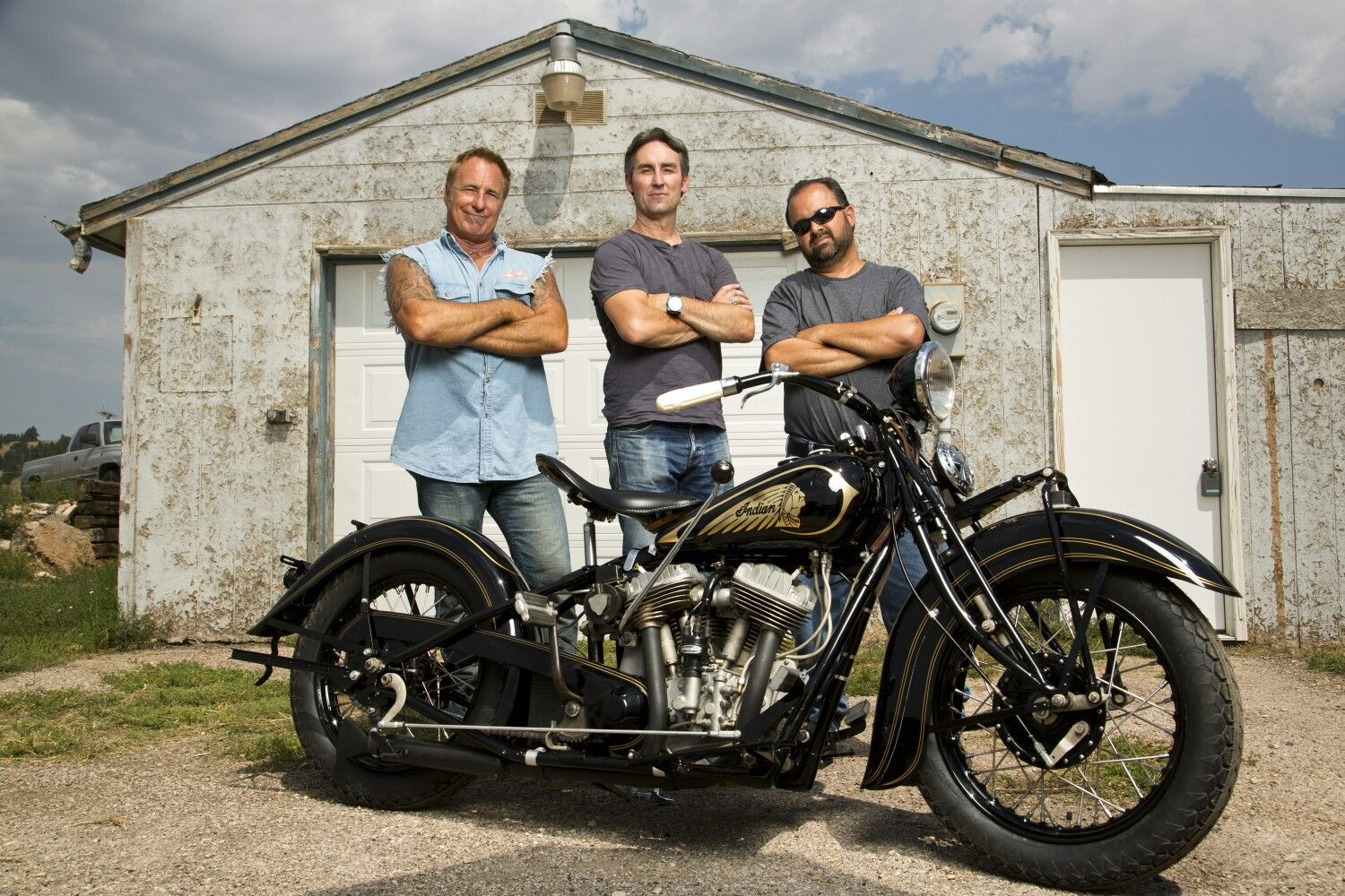 History Channel S American Pickers A Must See Tv Show Lots Of Neat Bikes And Cars People Places To