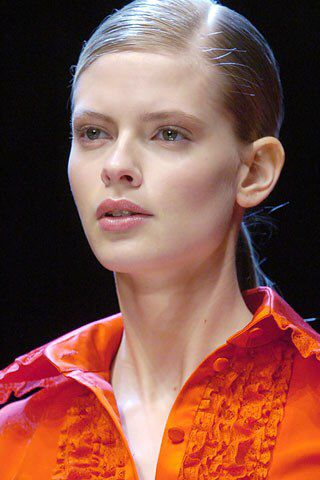 See detail photos for Valentino Fall 2005 Ready-to-Wear collection.