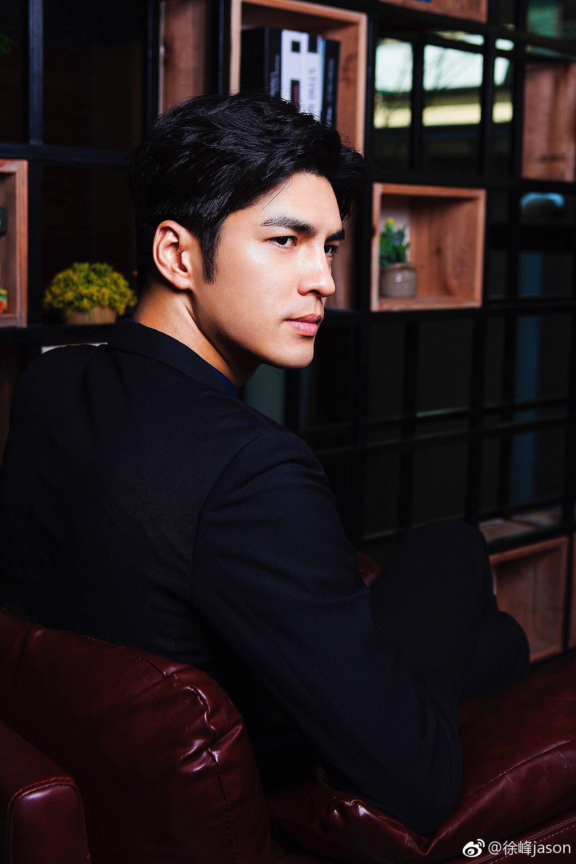 мужчины тайцы фото наиболее яркие них
