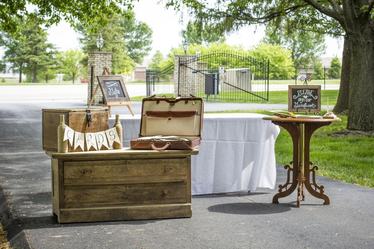 Wedding decorations country  Rustic country wedding decorations loved this  Rustic Chic Farm
