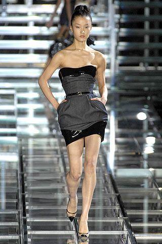 New Style Denim Dress by Kelly Ewing : Celebrities in Designer Jeans from Denim Blog (November 18, 2009)