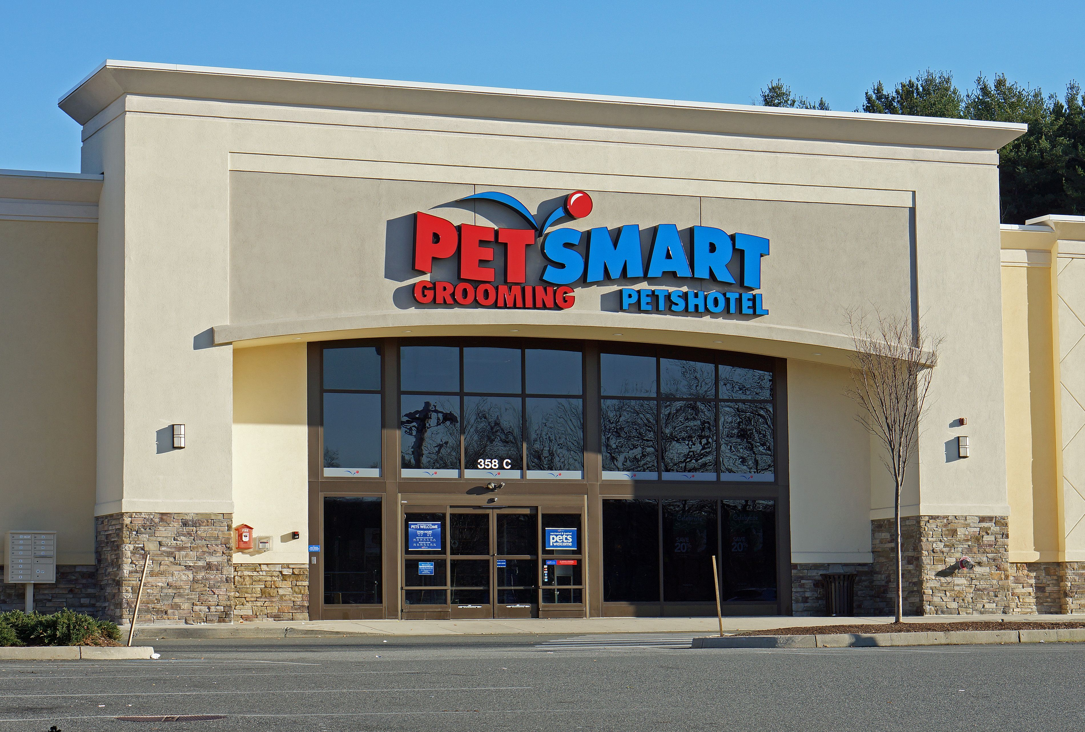"Go to the ""little zoo"" ) Petsmart, Dog dental cleaning"