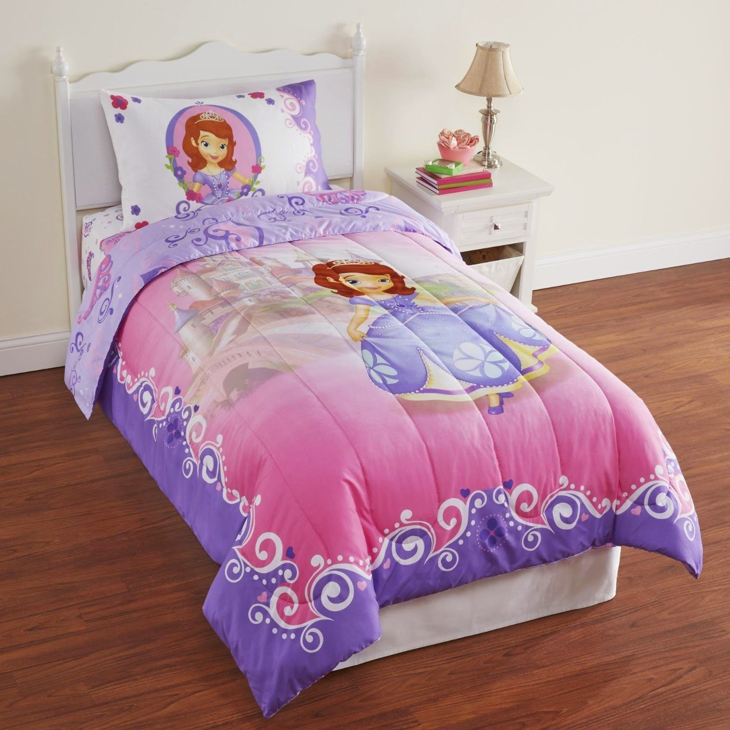 Bedroom decor ideas and designs top eight princess sofia for Princess themed bed