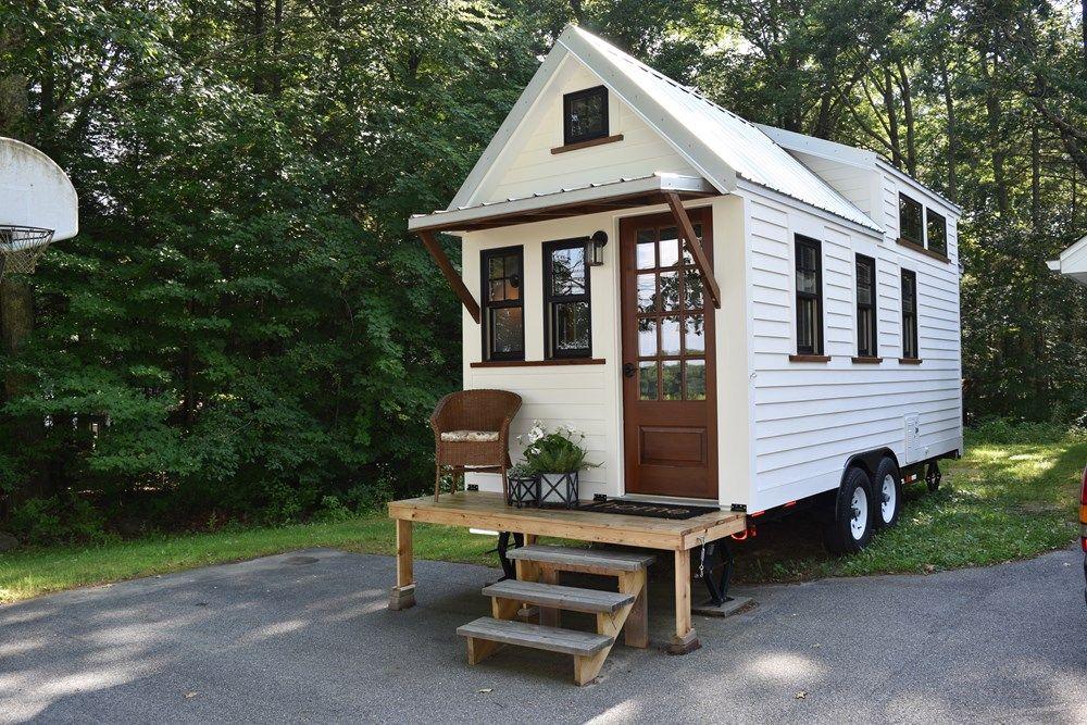 New 2017 Farmhouse Style 8 X20 Tiny For Sale On The Tiny House Marketplace 2017 Roadway Trailer W Tiny Mobile House Tiny House Trailer Farmhouse Tiny House