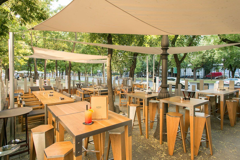 Terraza Llena De Encanto En El Paseo De La Castellana Restaurante Otto Madrid Terraza Restaurantes Madre