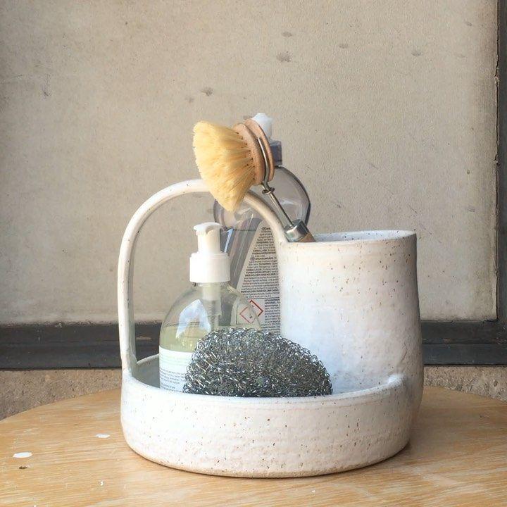 """Mona Vander Keramiker on Instagram: """"#min_opvask_holder Model #3 som er den mest robuste type jeg har lavet. Den er drejet på drejeskiven i stentøjsler med en del charmotte.…"""""""