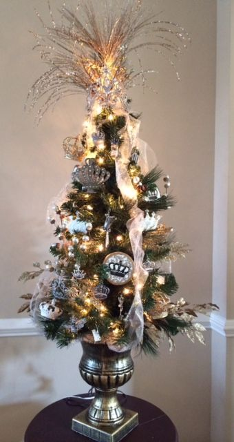 Crown Christmas Ornaments.Crown Christmas Tree Ornaments And Crowns At Www Crownchic