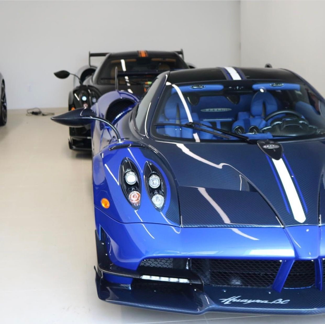 Pagani Huayra BC Painted In Blue W/ Exposed Blue Carbon
