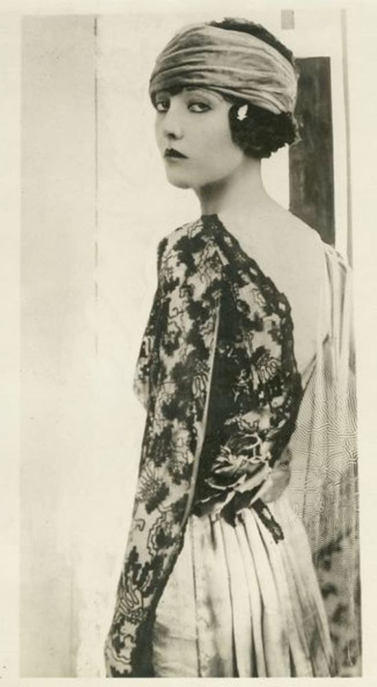 Gladys Zielian by Edward Thayer Monroe. Via dantebea.com Via historicalzg
