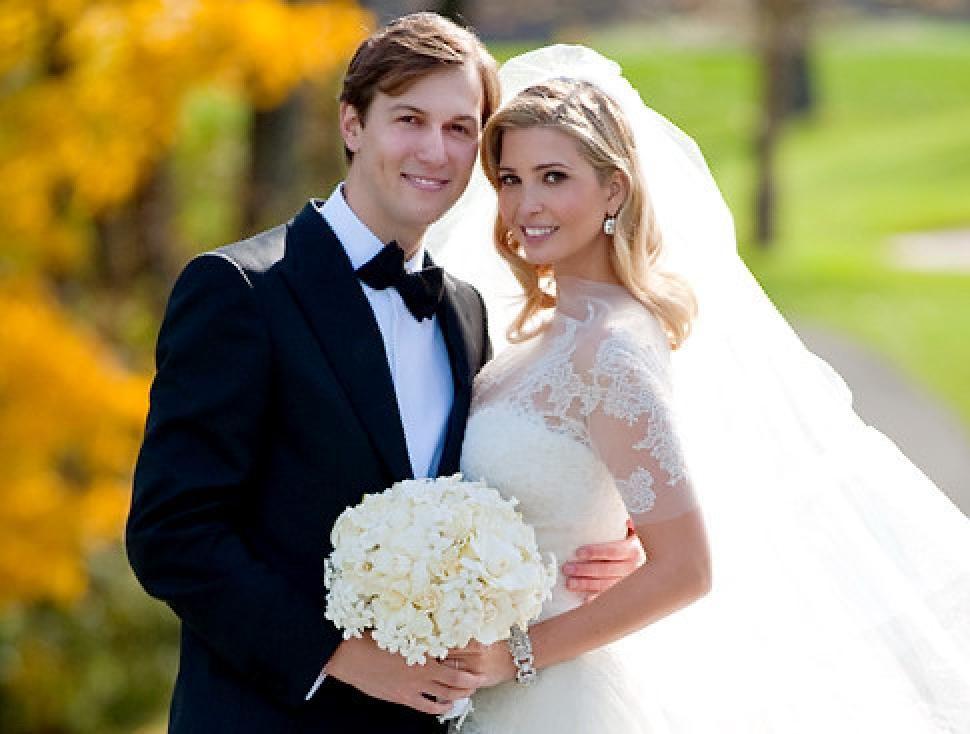 Ivanka Trump And Jared Kushner Pose For Wedding Photos Trump Wedding Melania Trump Wedding Dress Melania Trump Wedding