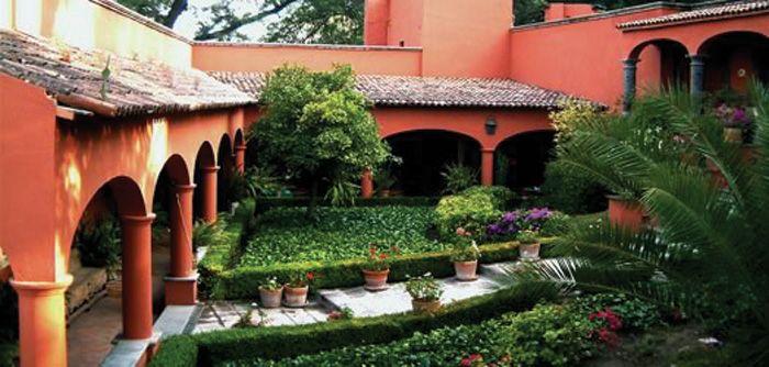 Guanajuato san miguel de allende hotel casa sierra for Casas rusticas con jardin